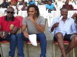 de g à d Mounirou Daouda, Christian Karembeu et Japhet N'doram lors des demi-finales 2
